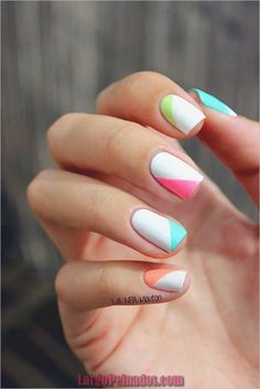 Nail art is a very popular trend these days and every woman you meet seems to have beautiful nails. It used to be that women would just go get a manicure or pedicure to get their nails trimmed and shaped with just a few coats of plain nail polish. Cute Summer Nail Designs, Cute Summer Nails, White Nail Designs, Nail Designs Spring, Spring Nails, Cute Nails, Nail Summer, Spring Summer, Fancy Nails