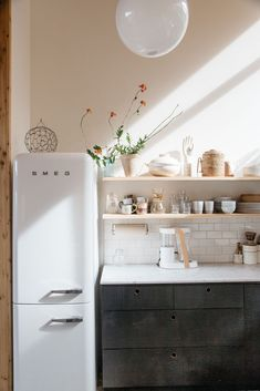 white smeg fridge in malibu hills kitchen. / sfgirlbybay