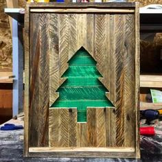 65 Pallet Christmas Trees & Holiday Pallet Decorations Ideas, Home Accessories, Our 15 Favorite Pallet Christmas Trees & Decorations In 2015 Home Accessories. Pallet Tree, Pallet Christmas Tree, Christmas Wood Crafts, Christmas Store, Christmas Projects, Christmas Tree Decorations, Christmas Crafts, Christmas Trees, Pallet Decorations