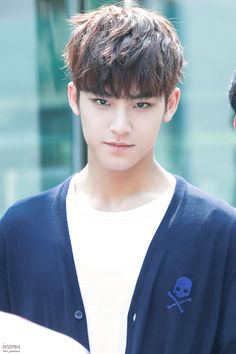 Mingyu of Seventeen Seventeen Funny, Mingyu Seventeen, Seventeen Debut, Mingyu Wonwoo, Seungkwan, Woozi, Hip Hop, Rapper, Kim Min Gyu