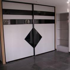 Wardrobe Laminate Design, Wall Wardrobe Design, Sliding Door Wardrobe Designs, Wardrobe Interior Design, Door Design Interior, Wardrobe Doors, Wardrobe Designs For Bedroom, Pooja Room Door Design, Bedroom Cupboard Designs
