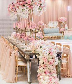 Breathtaking decor by @avant_garden  For more inspiration @weddingofdreams