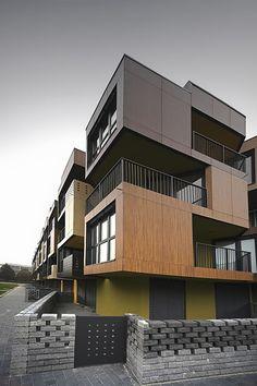 Conjunto Habitacional Social Tetris em Lubliana – Eslovênia Escritório: OFIS Arquitetos Construção: 60 apartamentos, 5.000m² de área construída, 4 pavimentos e 2 pavimentos abaixo do nível da…