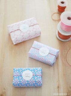 DIY paper wrap | Free Printable Geo Hearts Patterned Paper Set