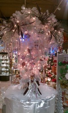 Upside down Christmas tree @ the Candy Cane Shop Ohio
