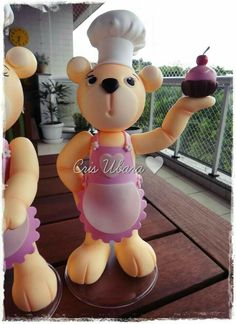 Ursa confeiteira decorativa