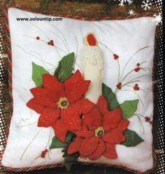 Resultado de imagen de cojines navideños 2014 Felted Wool Crafts, Felt Crafts, Diy And Crafts, Christmas Cushions, Christmas Pillow, Christmas Sewing, Christmas Crafts, Christmas Ornaments, Homemade Christmas Decorations