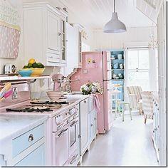 what a fun pink kitchen