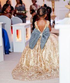 I soooooo want to make this dress!!!!