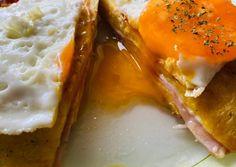 Sós palacsintás tojás reggelire   Beáta Hujber receptje - Cookpad receptek Waffles, Pancakes, Mashed Potatoes, Curry, Eggs, Breakfast, Ethnic Recipes, Food, Whipped Potatoes