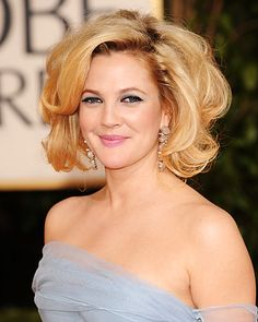 Take a look back at the best red carpet hair and makeup moments in Golden Globes history. Wavy Haircuts, Cool Hairstyles, Nicole Richie Hair, Marilyn Monroe Hair, Red Carpet Hair, Indian Actress Hot Pics, Great Hair, Grace Kelly, Hair Today