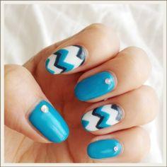 blue chevron nail design