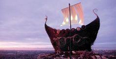 Wicker Sculpture - Viking Ship  by Trevor Leat.  www.trevorleat.co.uk