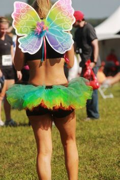 A fellow raver at Electric Daisy Carnival. Rainbow River, Festival Essentials, Rave Gear, Hippie Culture, Electric Daisy Carnival, Club Kids, Festival Dress, Raves, Rabbit Hole