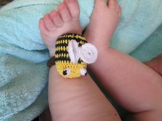 Погремушка на ручку или ножку малыша http://www.livemaster.ru/item/7369971-raboty-dlya-detej-porgremushka-na-ruchku-ili