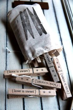 DIY stamped clothespins, Love is sweet. Diy Projects To Try, Craft Projects, Diy And Crafts, Arts And Crafts, Do It Yourself Inspiration, Love Is Sweet, Diy Gifts, Handmade Gifts, Crafty