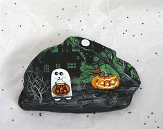 Little Ghost with pumpkins Hand painted on Rock ArtByBea Pebble Painting, Pebble Art, Rock Painting, Painted Pavers, Painted Rocks, Hand Painted, Halloween Rocks, Halloween Crafts, Art Projects