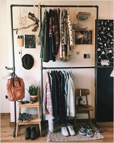 where we share loads of small space and tiny house inspiration and decor tips! where we share loads of small space and tiny house inspiration and decor tips! Room Decor For Teen Girls, Diy Room Decor For College, White Wash Brick, Tumblr Rooms, Diy Room Decor Tumblr, Room Inspo Tumblr, Aesthetic Room Decor, Diy Apartment Decor, Vintage Apartment Decor