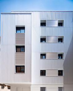 San Francisco de Asís 6 Arquitecto: @ariasrecalde 📍Granada . Instalador: METAGLASS STRUGAL S46 - STRUGAL S70P Granada, San Francisco, Garage Doors, Outdoor Decor, Home Decor, Architects, Decoration Home, Grenada, Room Decor