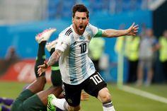 メッシ Soccer, Running, Sports, Hs Sports, Futbol, European Football, Keep Running, Why I Run, European Soccer