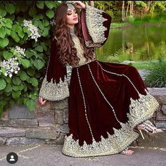 Pakistani Dresses Casual, Pakistani Bridal Dresses, Pakistani Dress Design, Stylish Dresses For Girls, Stylish Dress Designs, Afghan Wedding Dress, Muslim Prom Dress, Afghani Clothes, Afghan Girl