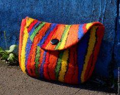 Клатч - в полоску,клатч,косметичка,сумка,сумочка,войлок,яркий аксессуар