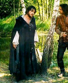 The Musketeers - 2x05 - The Return, Athos is #Fabulous! #CapeSass