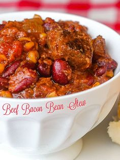 Beef Bacon Bean Stew. Somewhere between a stew and a great chili, this hearty, budget friendly, comfort food meal is perfect to serve to a crowd. #beefrecipes #comfortfood #mealplanning #mealprep