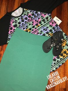 LuLaRoe Outfit of the Day! Cassie pencil skirt and Randy baseball t! Tuck the Randy in and wear the Cassie high waisted and throw on a cute pair of flip flops! #ootd #lularoe #womensfashion #skirt #plussizefashion #cuteoutfits #springoutfits