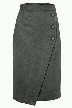 Falda con botones de lado
