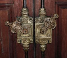 door handles at the school of clocks