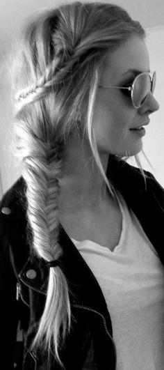 Double side braid - #cabelo #hairstyle #hair #sidebraid #braid #fishtail #popular #fashion #sunglasses #diy #cheveux