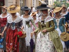 1000 ideas about traditional french clothing on pinterest folk costume provence and augsburg. Black Bedroom Furniture Sets. Home Design Ideas