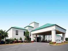 Hayti (MO) Comfort Inn United States, North America Ideally located in the prime touristic area of Hayti, Comfort Inn promises a relaxing and wonderful visit. The hotel offers a high standard of service and amenities to suit the individual needs of all travelers. Take advantage of the hotel's 24-hour front desk, Wi-Fi in public areas, car park, pets allowed. Designed for comfort, selected guestrooms offer air conditioning, heating, wake-up service, desk, alarm clock to ensure ...