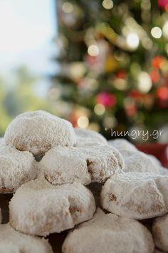 Κουραμπιέδες Μοναδικοί Greek Christmas, Greek Cookies, Butter Cookies Recipe, Kitchen Stories, Cookie Recipes, Desserts, Food, Kitchens, Recipes For Biscuits