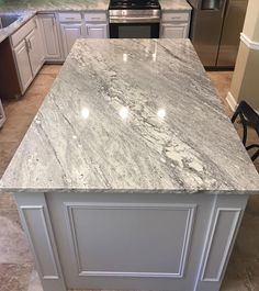 Idea, formulas, along with manual for getting the greatest outcome as well as coming up with the optimum perusal of Soapstone Kitchen Countertops Kitchen Space, Popular Kitchen Countertops, Kitchen Remodel, New Kitchen, Home Renovation, Popular Kitchens, Kitchen Renovation, Granite Countertops Kitchen, Kitchen Design