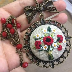 Gelincik Hand Embroidery Art, Embroidery Needles, Ribbon Embroidery, Cross Stitch Embroidery, Brazilian Embroidery, Crochet Motif, Handmade Accessories, Making Ideas, Jewelry Crafts