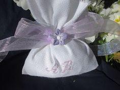 bomboniere ricamate di sara: bomboniera violetta...