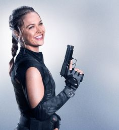 Sexy Guns and Buns Expendables Tattoo, The Expendables, Ronda Rousey Mma, Rhonda Rousy, Yoga Symbole, Instant Pot, Rousey Wwe, Lyndsy Fonseca, Aly Michalka