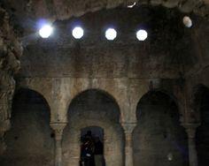 """#Granada - El bañuelo  Coordenadas GPS: 37º 10' 41"""" -3º 35' 33"""" / 37.178056, -3.592500  El baño o hamman entre los andalusíes fue un edificio público, cívico y en cierta medida religioso. El hamman Al-Ywawza o baño del nogal, también conocido como El Bañuelo, fue construido en la primera mitad del siglo XI."""
