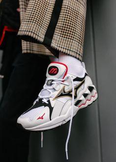 38c0c6d5debb18 Mizuno Wave Rider 1 Best Sneakers