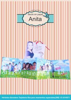 Línea de tiempo de Anita desde los 0 a 15 años. Tarjeta laminada y en sobre.