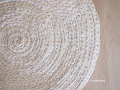 Discount Carpet Runners By The Foot Key: 8417057101 Diy Carpet, Beige Carpet, Crochet Carpet, Knit Crochet, Painting Carpet, Handmade Home, Natural Rug, Carpet Runner, Interior Design