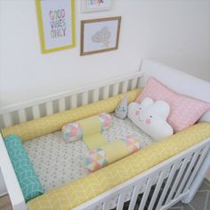 Let me start with the definition as usual : An infant bed (commonly referred to as a cot in British English, and in American English a crib) is a small bed specifically for infants and very young c… Baby Boy Room Decor, Baby Bedroom, Baby Boy Rooms, Nursery Room, Baby Duvet, Baby Pillows, Crib Bedding, Wooden Cribs, Newborn Bed