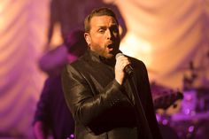 Photos: Johnny Reid March 2016 Singers, Photos, Pictures, March, People, People Illustration, Singer, Grimm, Mac