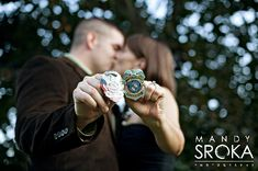 Love these police officer themed engagement photos by @mandysroka. Such a great ideas for a #policeofficer