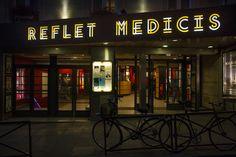 Reflet Medicis nuit – Enseignes de cinéma – actualité, signalétique