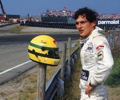 Le dur apprentissage de la Formule 1 chez Toleman, une équipe aux moyens modestes. Ici, à Zandvoort, en 1984, pied à terre après la défaillance de son petit moteur Hart.
