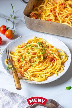 Feta Pasta, Spaghetti, Food And Drink, Tasty, Snacks, Baking, Dinner, Ethnic Recipes, Dining