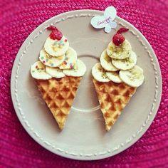 Mal eine etwas gesündere Eis Variante mit Obst & Waffeln ;-)